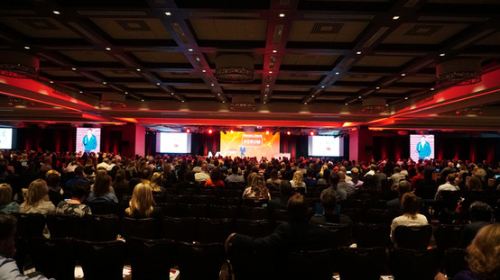 General Session with Pillars and low ceilings, oh my!