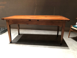 Highgate table (extendable) £750