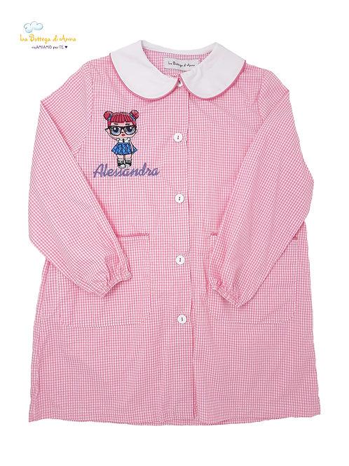 Grembiule asilo da bambina, rosa a quadretti bianchi - RICAMO LOL SURPRISE