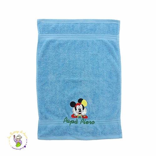 Asciugamano in spugna di cotone azzurro, ricamo Topolino con Cappellino