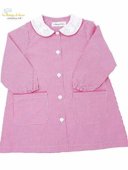 Grembiule asilo bambina, rosa a quadretti bianchi, con colletto decorato