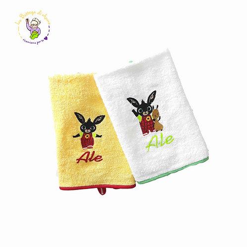 Asciugamano spugna bianca e giallo Coniglietto Bing e Flop