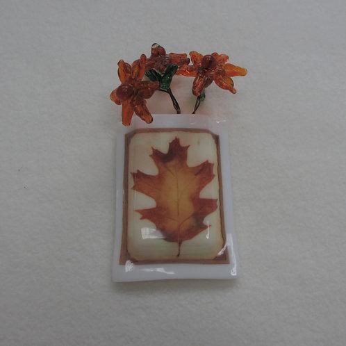 Mini-vase with Oak Leaf