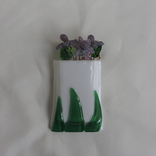 Mini-Vase with Raised Leaves