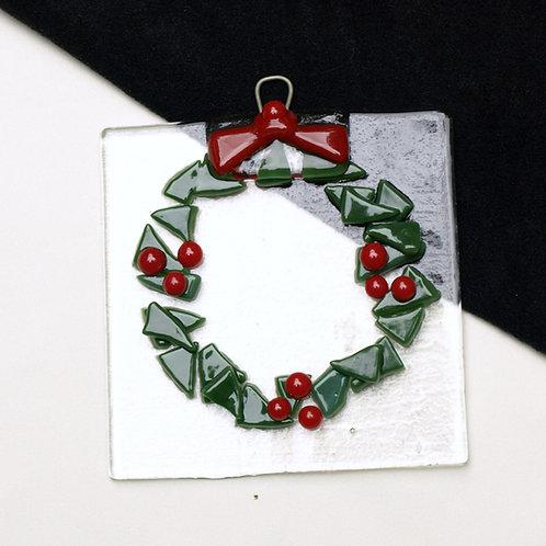 Wreath with Berries Suncatcher/Ornament