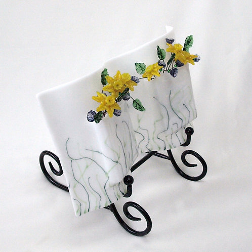 Wavy Vase with Glass Daffodils