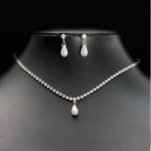 diamante and pearl jewellery set