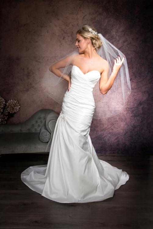Hip length veil with crystals
