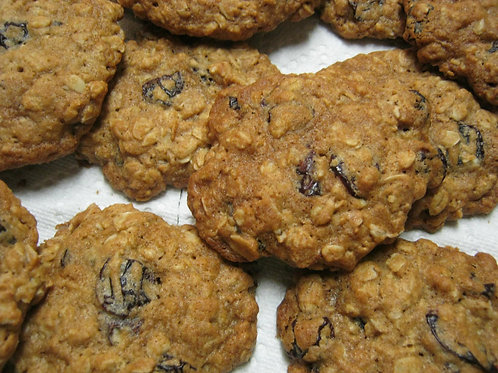Cherry Almond Oatmeal Cookies (12 count)