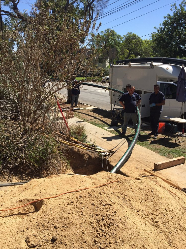 Trenchless sewer line