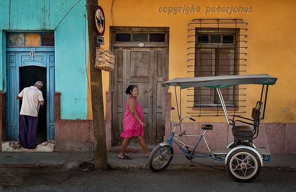cuba passsers by.jpg