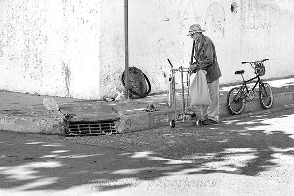 cienfuegos street cleaner.jpg