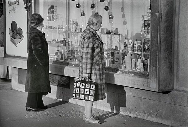 bratislava shoppers.jpg