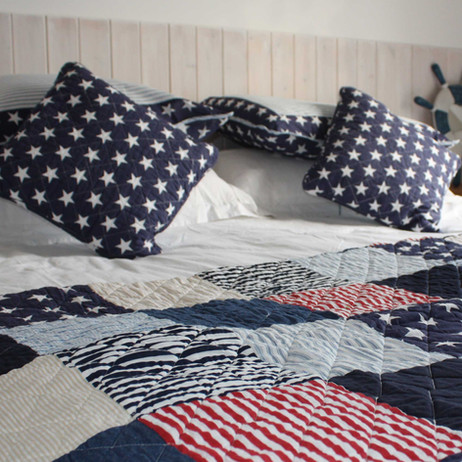 CUSHIONS, THROWS & BEDLINEN