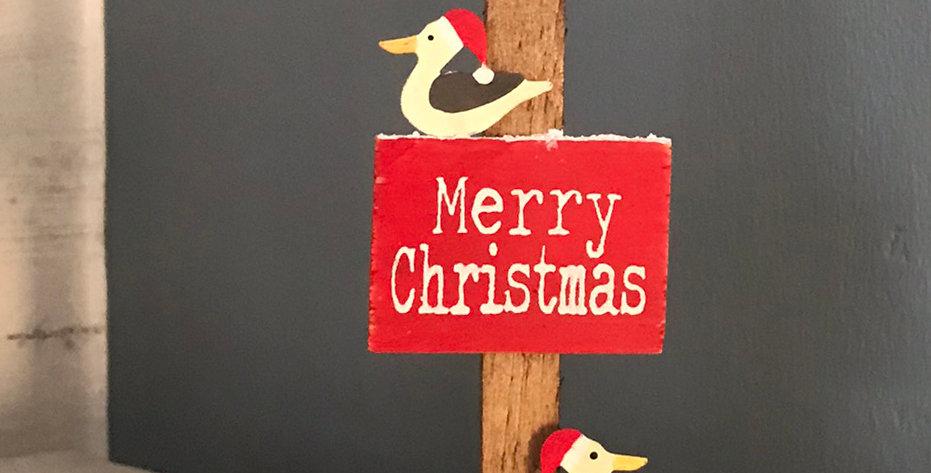 GULLS ON MERRY CHRISTMAS GROYNE