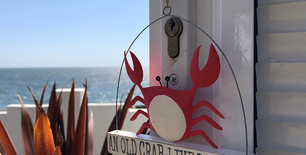 AN OLD CRAB LIVES HERE HANGER