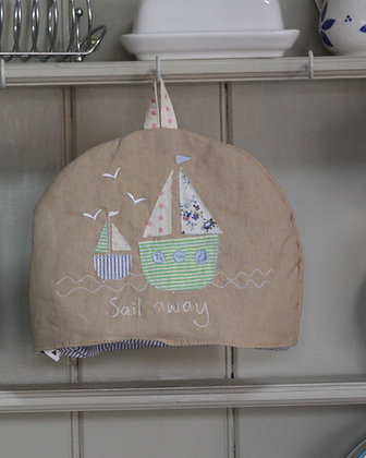 SAILBOAT TEA COSY