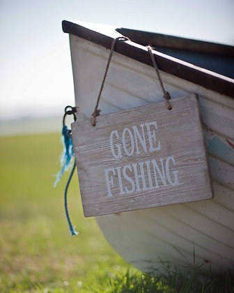RUSTIC 'GONE FISHING' SIGN