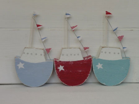 SHAKER BOAT WITH BUNTING