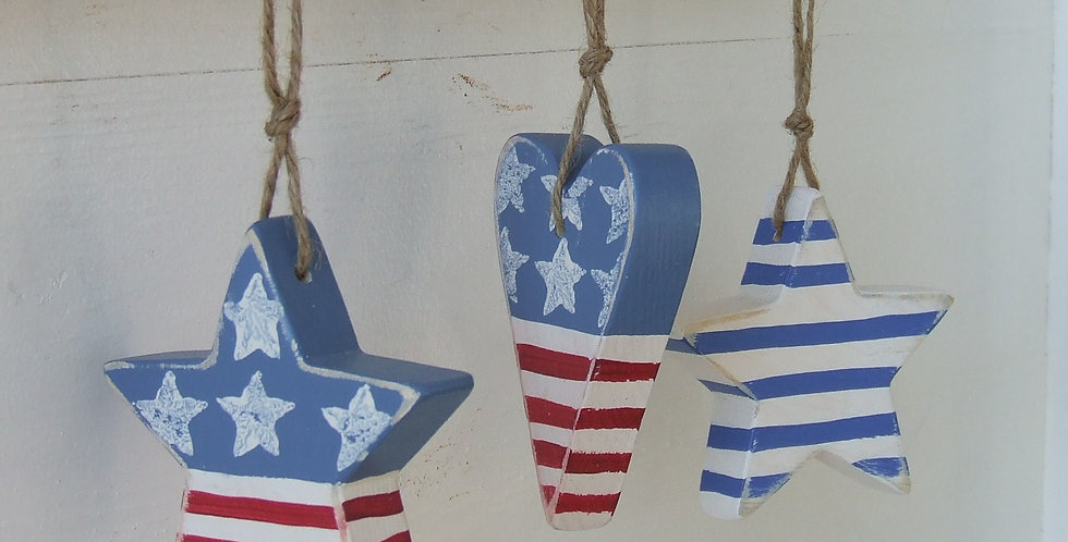 HANGING STARS & STRIPES