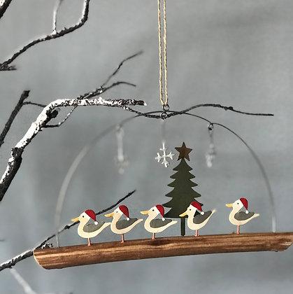 GULLS IN CHRISTMAS HATS HANGER