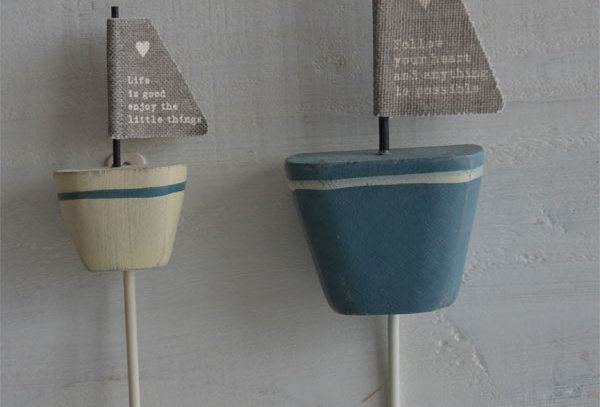 LITTLE BOAT QUOTE HOOKS from
