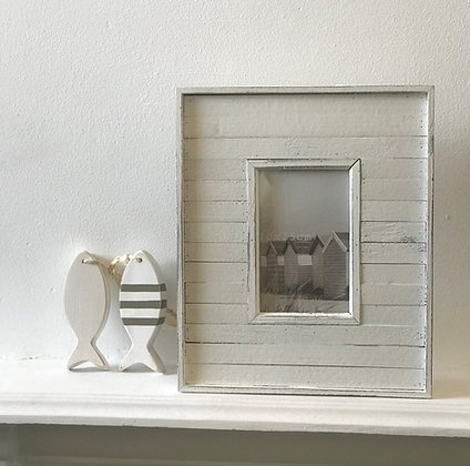 WHITE WEATHERBOARD PHOTO FRAME