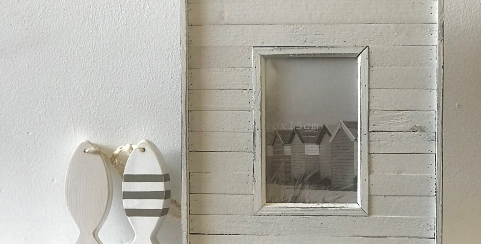 WHITE WEATHERBOARD PHOTO FRAME
