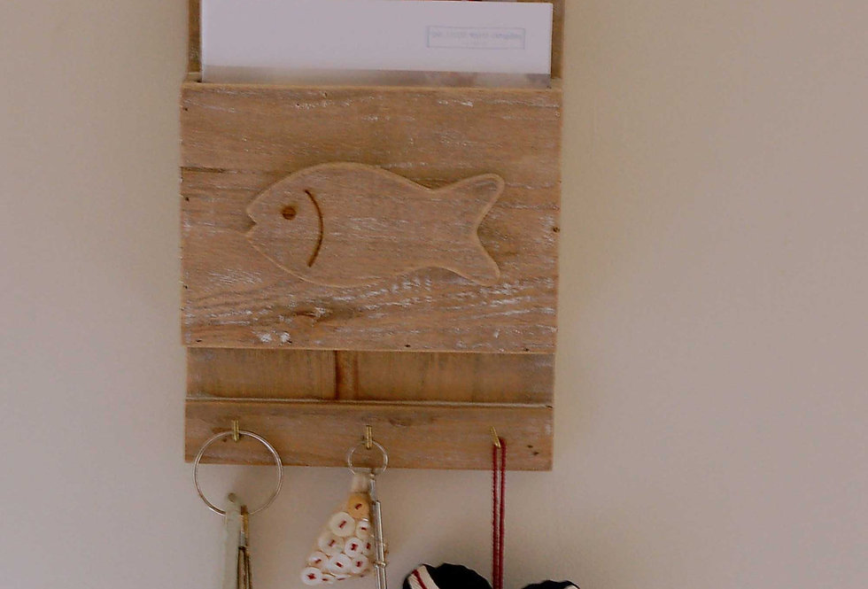 FISH LETTER RACK AND HOOKS