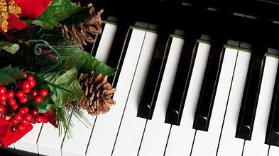 christmas-piano-1.jpg