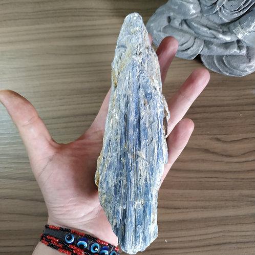 Cianita Azul 723g - pedra do arcanjo Miguel