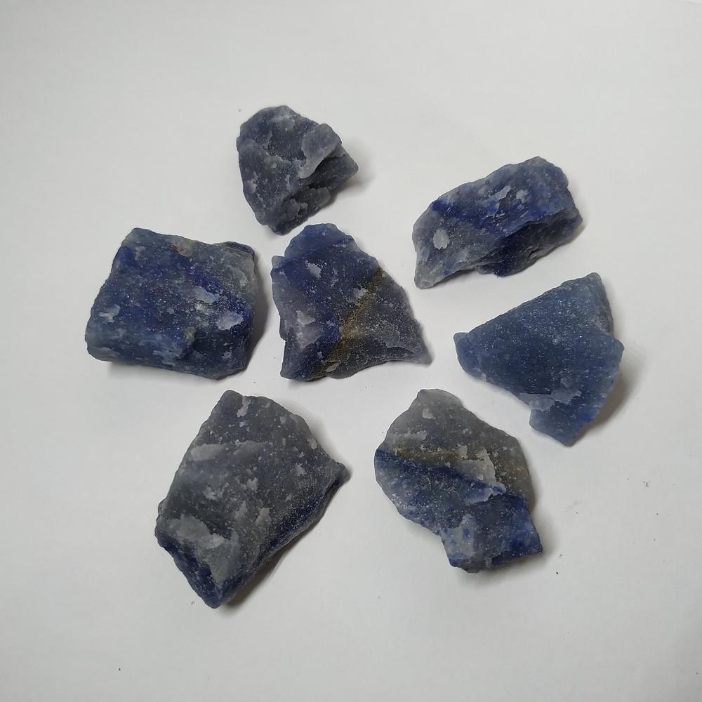 Quartzo Azul - A pedra da expressão e criatividade
