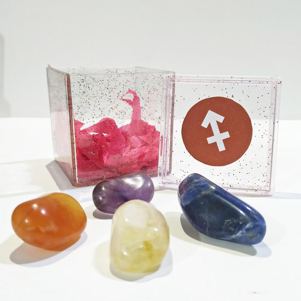 O kit do signo de sagitário contém 4 pedras que potencializam suas qualidades e neutralizam os excessos.