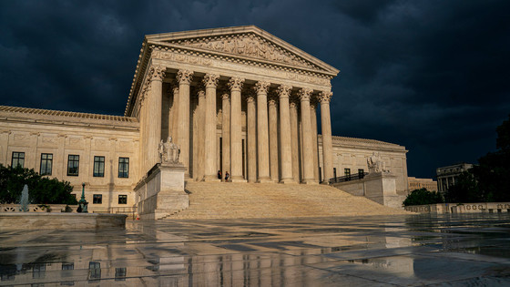 US Supreme Court Hears Oral Arguments on Constitutionality of Obama Immigration Order