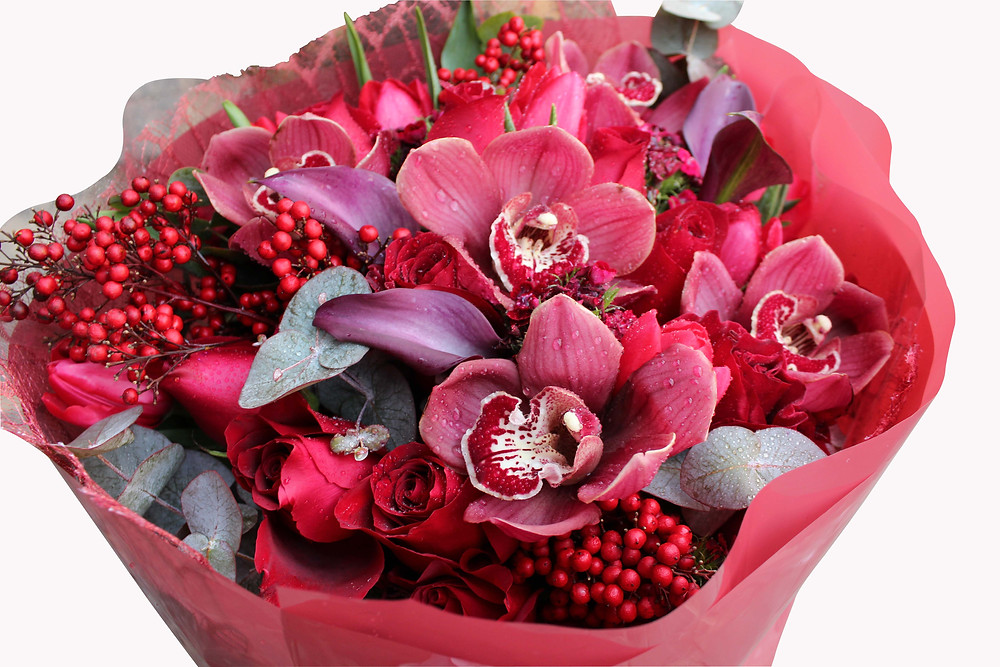 Hand tired bouquet red