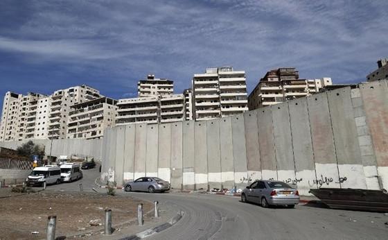 Rang undang-undang Israel yang menggigit