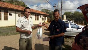Sindimina entrega brindes em Fazenda Brasileiro