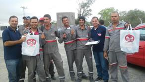 Trabalhadores de Nordestina recebem brindes de Natal