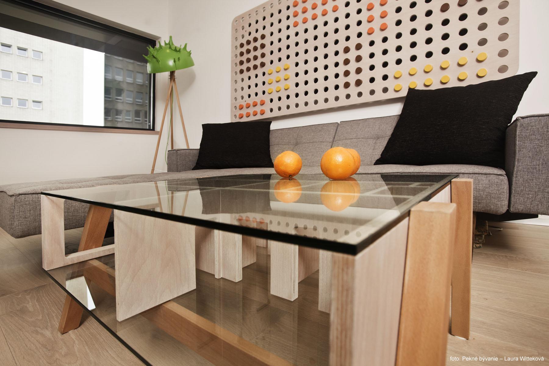 15 obývačka stolík 2