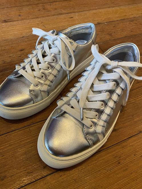 Tory Burch Ruffle Sneakers   6.5