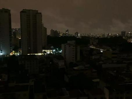 No Brasil o sistema de distribuição de energia não é confiável!!!