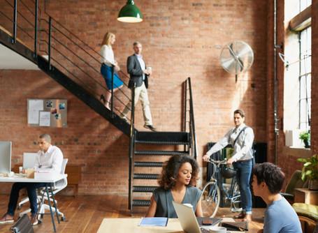 Çalışan bağlılığını artırmak için şirket içi iletişiminizi geliştirmenin 3 etkili yolu