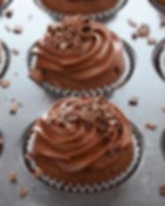 Cupcake de chocolate con mousse y ralladura de chocolate. Libre de Azúcar. Apto para diabeticos. Endulzado con Stevia.