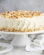 Queque de zanahoria con lustre de queso crema y almendra. Libre de Azúcar. Apto para diabeticos. Endulzado con Stevia.