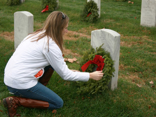 Laying Wreaths at Arlington and Why Your Funeral Home Should Give Back