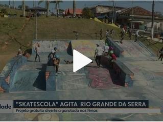 """Rede Globo faz reportagem sobre o projeto """"Skatescola"""" da ONG Aprisco."""
