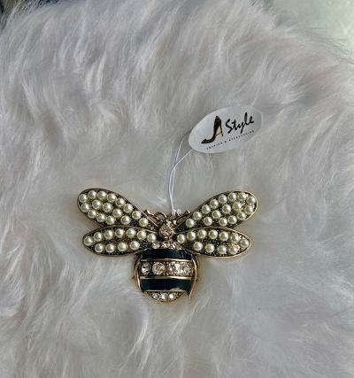 Bee Pearl Pin