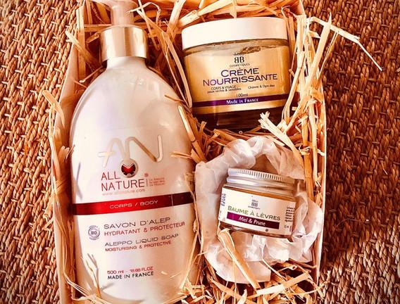 2- Coffret cadeau 3 produits bio corps & visage.