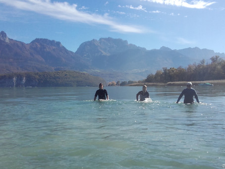 Tous les atouts de la Marche Aquatique dans le lac d'Annecy!