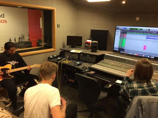 Recording Guitars - Corduroys 3